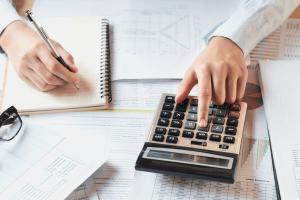 نرم افزار های حسابداری باعث پیشرفت در کار های مدیریتی میشود