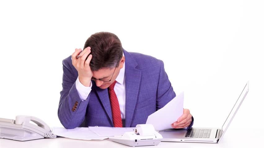 در نرم افزار های حسابداری نکته اصلی و مهمترین مزیت این است که نسبت به حسابداری دستی وقت زیادی صرفه جویی میشود،